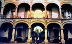 El centro histórico de la Ciudad de México en ocho rutas